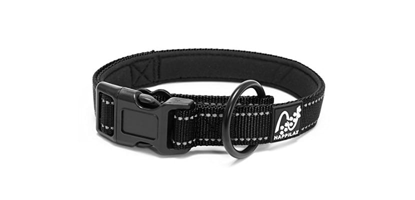 Collar negro de perro